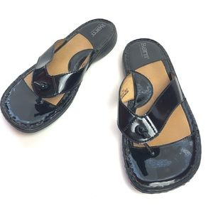 Born Leather Sandals in Black Size 9